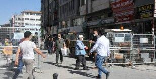 Gaziantep'in kalabalık caddelerine maskesiz giriş yasaklandı