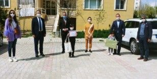 Tuşba'da 23 Nisan yarışmasının ödülleri verildi