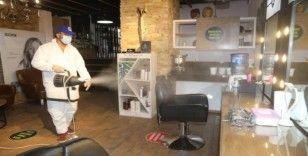 Belediye, berber ve kuaför dükkanlarında dezenfekte çalışması yaptı