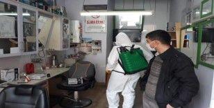 Altıntaş'ta berber ve kuaförler dezenfekte edildi