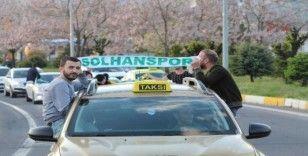 Solhanspor Efeler Ligine yükseldi, kutlama korona virüs tedbirlerine göre yapıldı