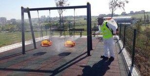 Gebze'de parklar çocuklar için dezenfekte ediliyor
