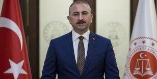 Adalet Bakanı Gül: Bayramdan sonra tüm uygulamalar yumuşatılacak
