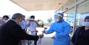 Başkan Şayir, sağlık çalışanı anneleri unutmadı