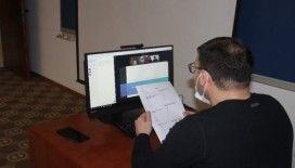 Anadolu Üniversitesi dezavantajlı ve 65 yaş üstü öğrencilerine online sınavda video konferans ile okuyucu desteği sağladı