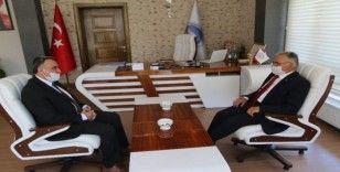 Develi Belediyesi Büyükşehir Belediye Başkanı Büyükkılıç'ı ağırladı