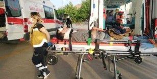 Bursa'da motosiklet yayaya çarptı: 3 yaralı
