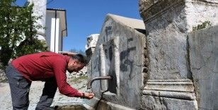 2 bin yıldır akan ölüler çeşmesinden su içiyorlar