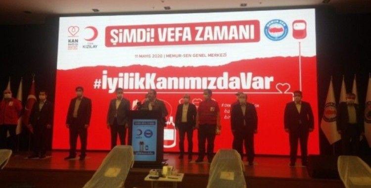 Memur-Sen Genel Başkanı Yalçın, Kızılay'a kan bağışında bulundu