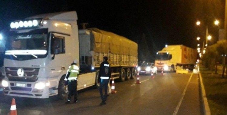 Seyahat kısıtlaması kaldırılan Şanlıurfa girişinde araç yoğunluğu yaşandı