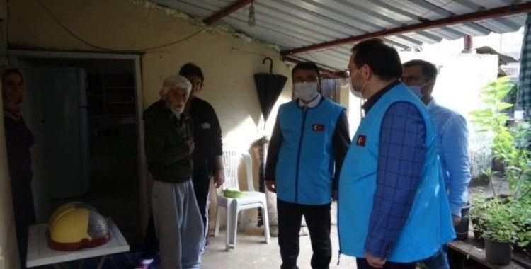 Müftü Kondi devreye girdi yaşlı adamın evi onarıldı
