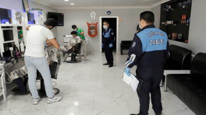 Berber ve Kuaför salonları denetlenerek dezenfekte edildi