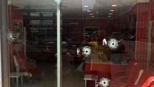 Kasap dükkanına kurşun yağdırdı