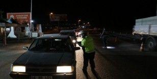 Kahramanmaraş'da giriş çıkış kısıtlaması sona erdi, polis noktalarında araç yoğunluğu oluştu