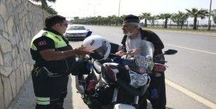 Antalya'da 84 yaşındaki adam kamyonetiyle trafiği bir birine kattı