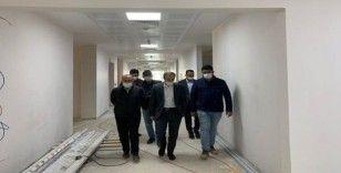 Vali Cüneyt Epcim hastane inşaatında incelemelerde bulundu