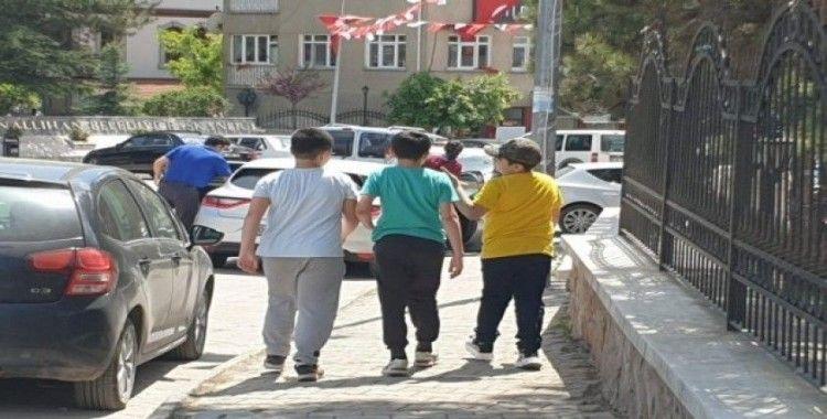 Nallıhan'da 14 yaş altı çocuklar uzun zaman sonra dışarı çıktı