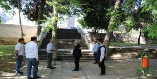 Kozan'da parklara bakım ve peyzaj çalışması