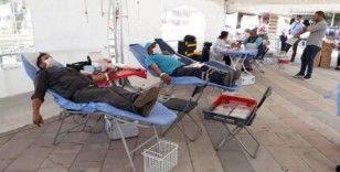 Azalan kan stoklarına Alaşehir'den 300 ünite kan bağışıyla destek