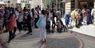 Sosyal mesafesiz alışveriş