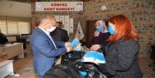 Körfez'de gönüllü eller 50 bin maske üretti