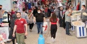 Tarihi Uzun Çarşı'da Ramazan hareketliliği