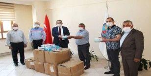 Tosya Kaymakamlığından mahalle ve köylere 10 bin adet maske