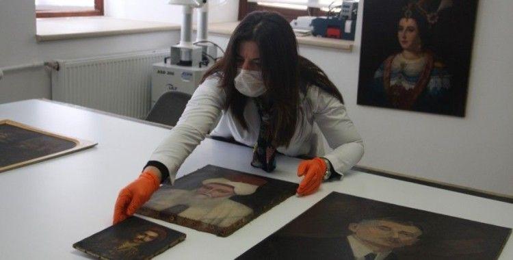 Restorasyondan geçirilen tarihi tablolar ziyaretçileriyle buluşmayı bekliyor