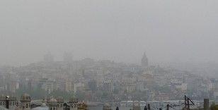İstanbullular güne sisle uyandı