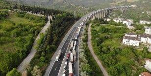 TEM Otoyolu 2 buçuk saatte trafiğe açılabildi
