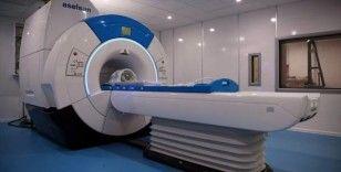İsmail Demir, prototipi geliştirilen ilk yerli MR cihazını inceledi