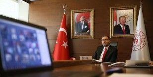 Bakan Kasapoğlu, Gençlik Haftasında temsilci gençlerle bir araya geldi
