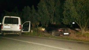 Şüpheli aracı kovalayan polis otosu kaza yaptı bir polis yaralandı