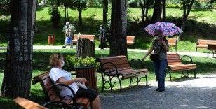 65 yaş ve üstü vatandaşlar bu hafta da sokaklarda