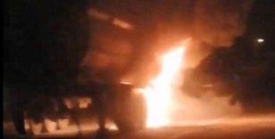 Seyir halindeyken yanan kamyon korkuttu