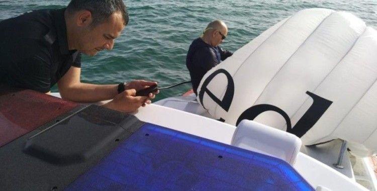 Denizde mahsur kalan sörfçü polis ekiplerince kurtarıldı