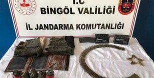 Bingöl'de terör operasyonu, el bombaları ve mühimmat ele geçirildi