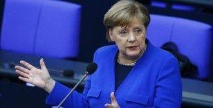 Almanya Başkanı Merkel: Fransa ile ortaklaşa 500 milyar avroluk fon önerme kararı aldık