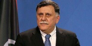 Serrac 'AB'nin Libya'daki sivillere yönelik suçlarla ilgili politikasından' rahatsız