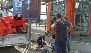Elektrik akımına kapılıp ölen işçi güvenlik kamerasına yansıdı