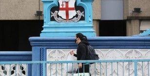 İngiltere'de Kovid-19 nedeniyle ölenlerin sayısı son 24 saatte 545 kişi arttı
