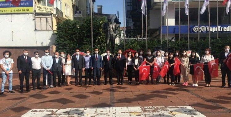Maltepe'de Atatürk Anıtına çelenk bırakıldı