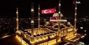 Çamlıca Camii Kadir Gecesi'nde havadan görüntülendi
