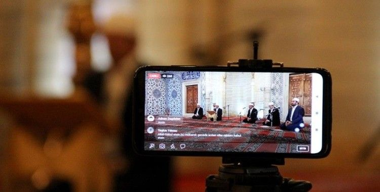 Selimiye'deki Kadir Gecesi programı sosyal medyadan canlı yayınlandı