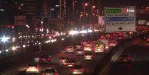 İstanbul'da kısıtlamasının sona ermesiyle vatandaşlar sokağa çıktı