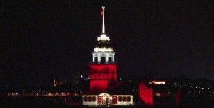 Kız Kulesı kırmızı beyaz renge büründü