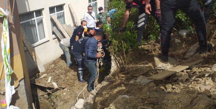 Tekirdağ'da 2 işçi göçük altında kaldı