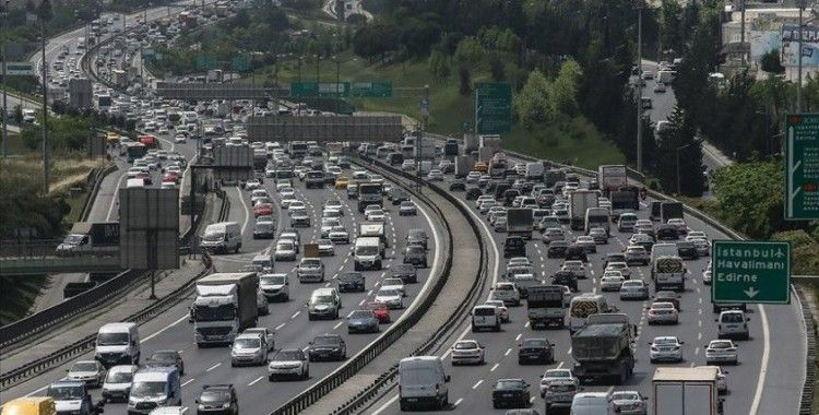 İstanbul'un ana arterlerinde trafik yoğunluğu