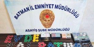 Batman'da kumar operasyonu: Sosyal mesafeyi ihlal eden 12 kişiye 37 bin 800 lira ceza