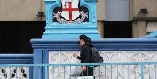 İngiltere'de Kovid-19 nedeniyle ölenlerin sayısı 35 bin 704'e yükseldi